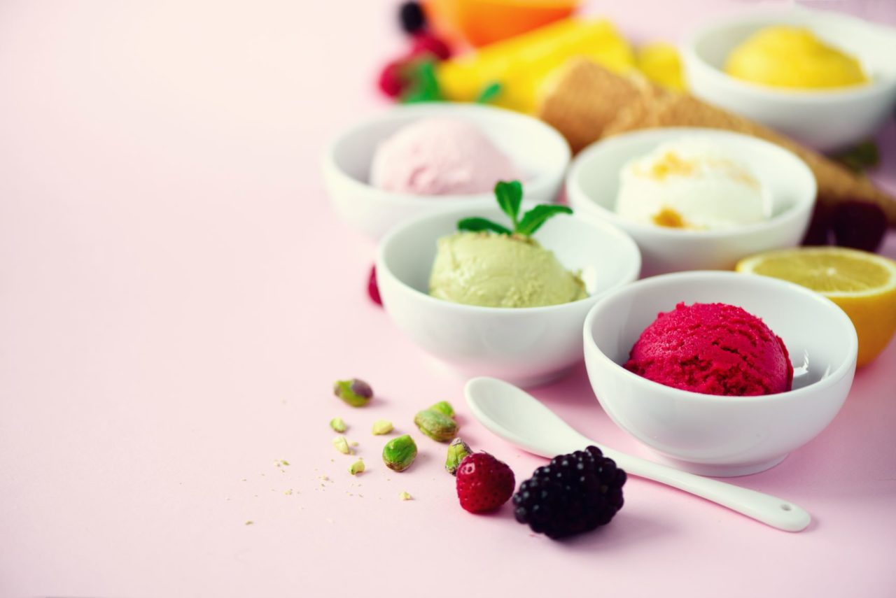 https://www.juicencream.de/wp-content/uploads/2020/03/red-purple-yellow-green-white-ice-cream-eis-vegan-1280x855.jpg